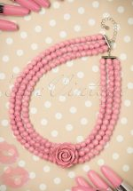 50s Pretty Rose Pearl Necklace in Pink