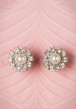 50s Grace Cream Pearl Stud Earrings in Silver