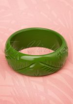 TopVintage Exclusive ~ 20s Maisie Carved Bangle in Leaf Green